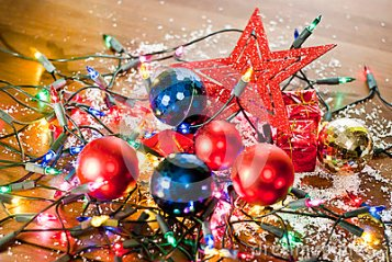 christmas-mess-made-decorations-35313455